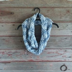 Accessories - Blue Infinity scarf